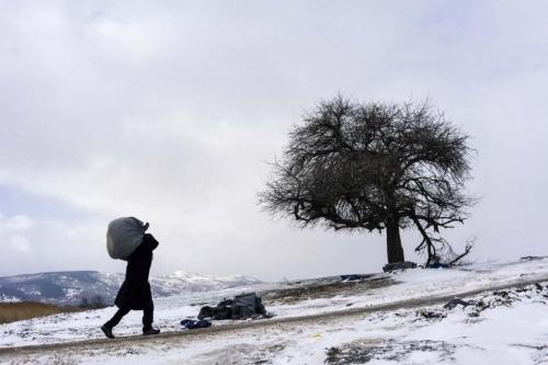 serbia-refugees-snow-14_m_6